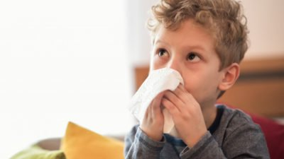 Illustration of Fever Is Accompanied By A Slimy Cough In Children Aged 3 Years With A History Of Living In Cities Affected By Corona