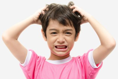 Illustration of This is an effective way to overcome dandruff in children
