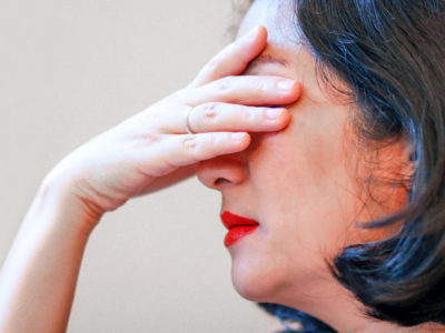 Illustration of Frequent Dizziness, Late Menstruation, Swollen Face, Fatigue, Hypothyroidism?