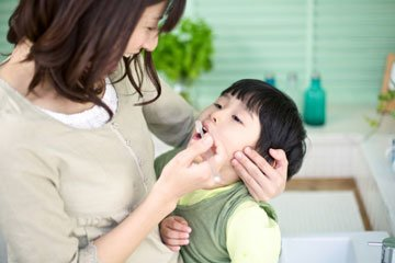 Illustration of How To Clean Tartar That Is Safe For Children 1.5 Years?