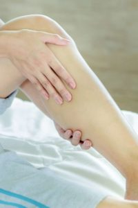 Illustration of The Cause Of Legs Suddenly Cramps During Sleep That Can Not Walk?