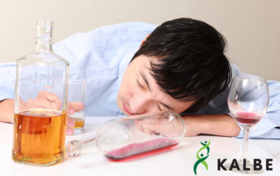 Illustration of Headache After Consuming Alcoholic Drinks?
