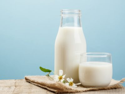 Illustration of Are There Any Side Effects Of Consuming Milk Without Brewing Water?