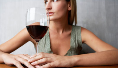 Illustration of Menstruation Is Not Smooth When Smoking And Drinking Alcohol?