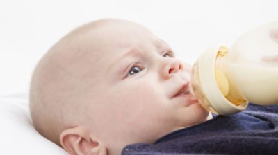 Illustration of Side Effects Of Drinking Formula Milk Does Not Match The Age Of The Baby 4 Months?