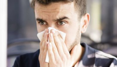 Illustration of Causes And Ways To Deal With Runny Nose Are Yellow?