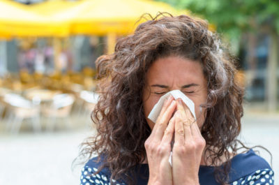 Illustration of Causes Frequent Sneezing And Itching When Bathing In Cold Weather?