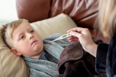 Illustration of Children With Fever May Be Injected?