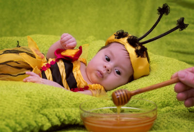 Illustration of Allow 4-month-old Baby To Consume Honey?