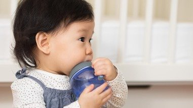 Illustration of Drinking Water After Drinking Milk In Babies Aged 6 Months?