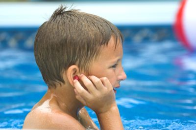 Illustration of Can Swimming For Otitis Media Sufferers?