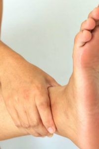 Illustration of How To Deal With Fungus On The Toe?