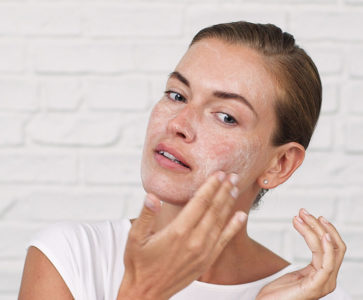 Illustration of The Use Of Ingredients For Exfoliating Facial Skin?