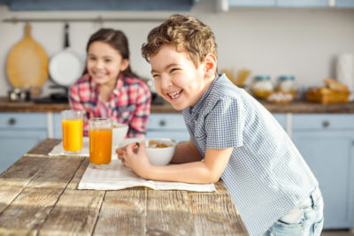 Illustration of Types Of Food For 15-year-old Children Who Are Fasting?