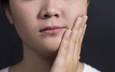 Illustration of Swelling On The Cheeks Feels Painful And Radiates To The Neck.?