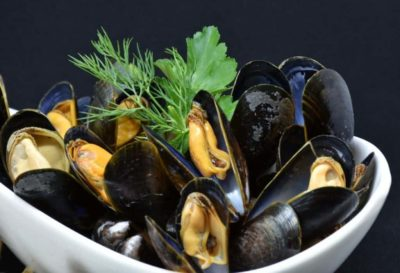 Illustration of Eat Green Mussels After Giving Birth.?