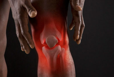 Illustration of Pain And Heat In The Knee Accompanied By The Appearance Of Red Spots?