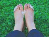 Feet That Feels Itchy, Watery, Pus, Until It Feels Painful And Swollen?