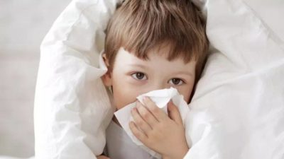 Illustration of Use A Blanket When The Child Has A High Fever?