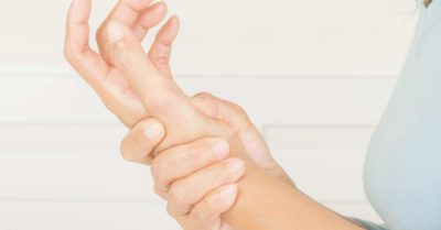 Illustration of The Left Hand Hurts Especially When Moved?