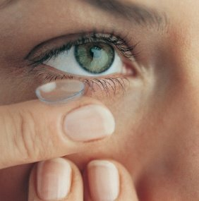 Illustration of Eye Discomfort After Wearing Contact Lenses?
