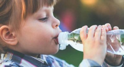 Illustration of Children Aged 2 Years Have Difficulty Drinking Water?