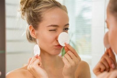 Illustration of Use Of Powder That Is Suitable For Teenage Skin?