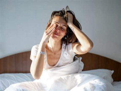 Illustration of Swollen Eyes Feel Hot When You Wake Up Because Your Eyes Don't Close When You Sleep?